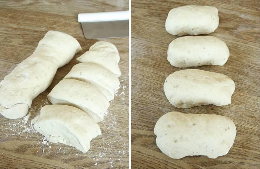 2. Dela degen i 8 bitar på ett mjölat bakbord. Forma dem till små limpor och lägg dem i formen (eller på en plåt med bakplåtspapper om du inte har någon form).