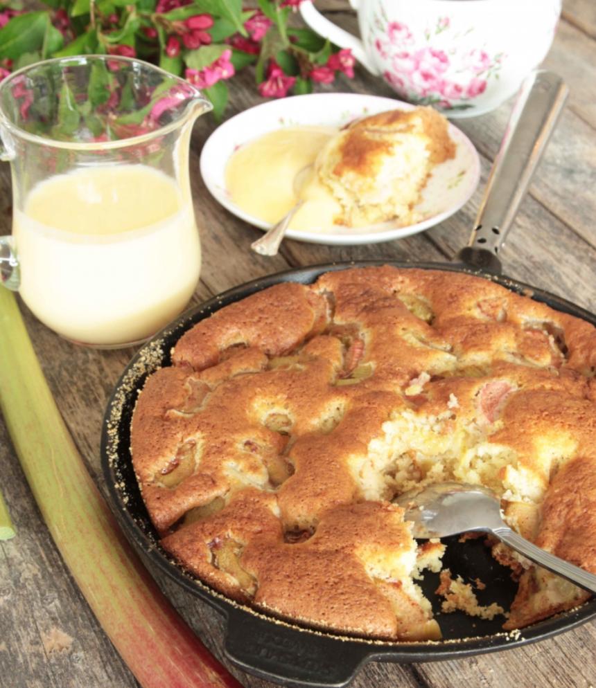 Rabarberkaka i stekpanna – klicka här för recept!
