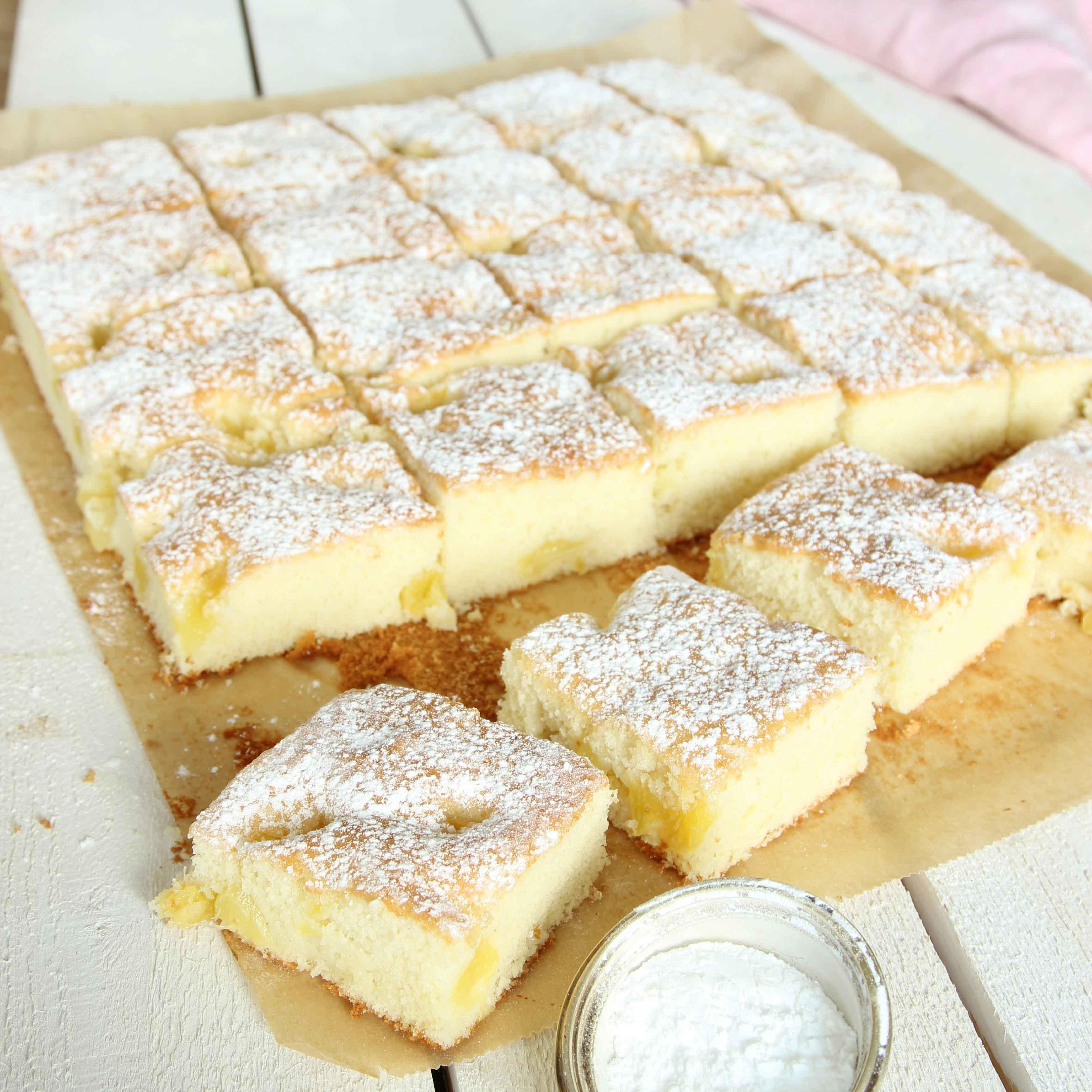 sockerkaka med äpple långpanna
