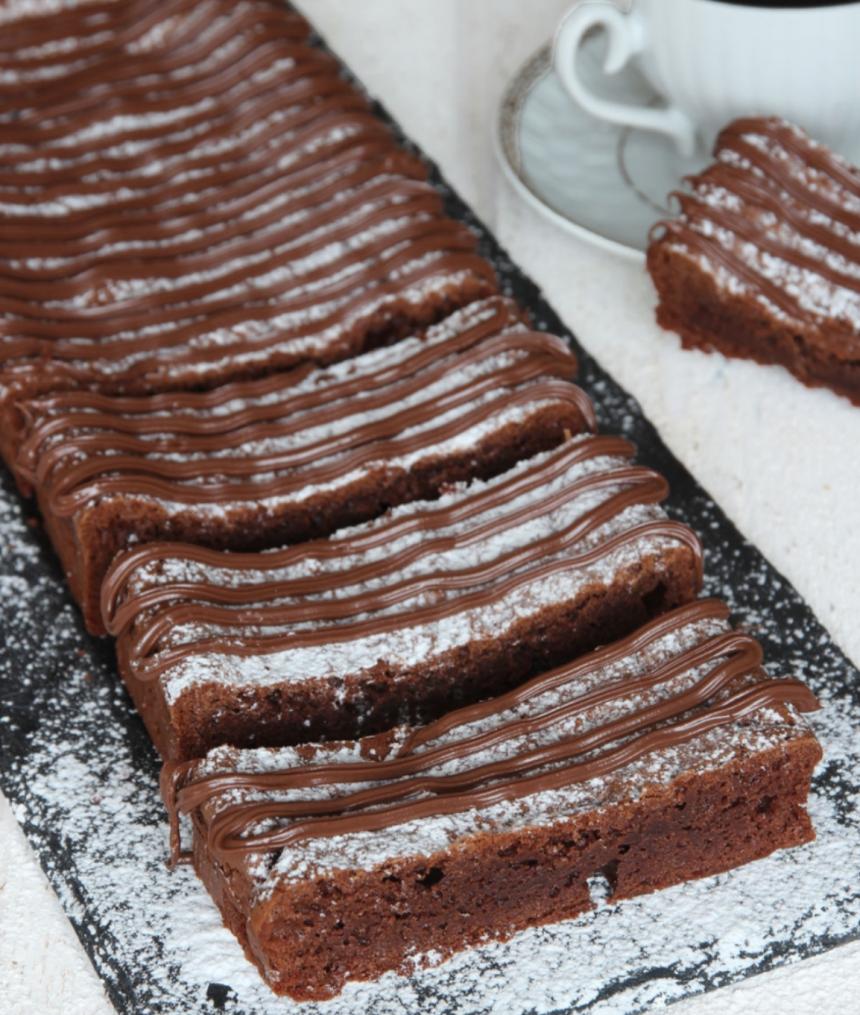 Ljuvliga Nutellabrownies med bara 4 ingredienser – klicka här för recept!
