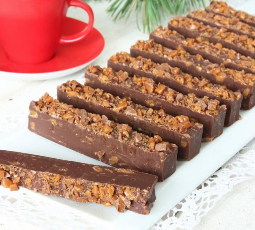 Gör superläckra Daim-fudgebars – klicka här för recept!