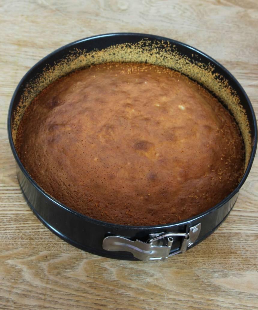 3. Grädda kakan längst ner i ugnen i ca 20 min.