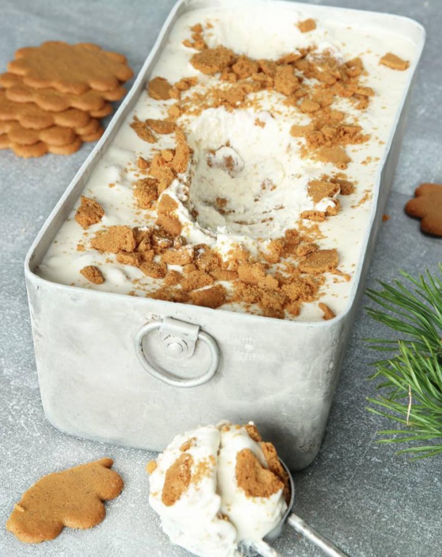 Krämig och härlig  pepparkaksglass med bara 3 ingredienser –klicka här för recept!