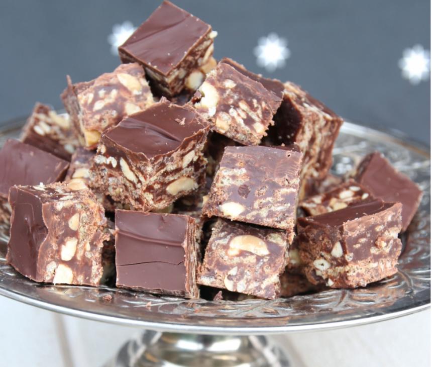 Gör supergoda, krispiga nougat- och chokladbitar –klicka här för recept!