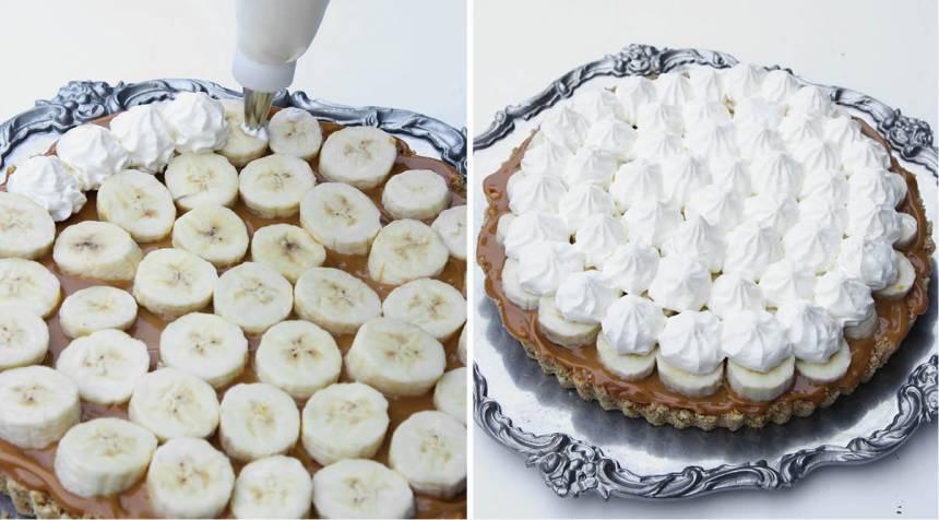 5. Spritsa toppar av grädde eller bred ut den på bananskivorna. Strö över hackad Daim och minimaränger. Förvara pajen i kylen.