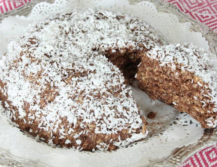 Baka en underbar Nougatbollstårta – klicka här för recept!