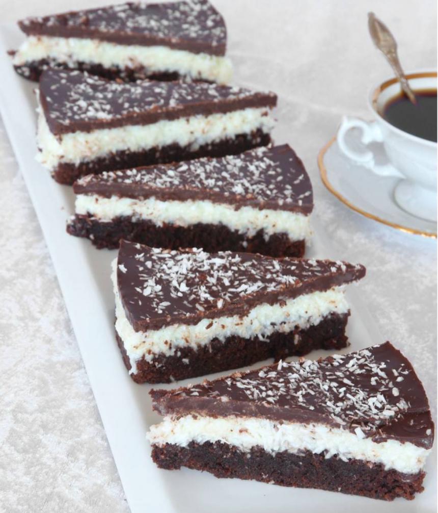 Baka en superläcker Bountykladdkaka – klicka här för recept!