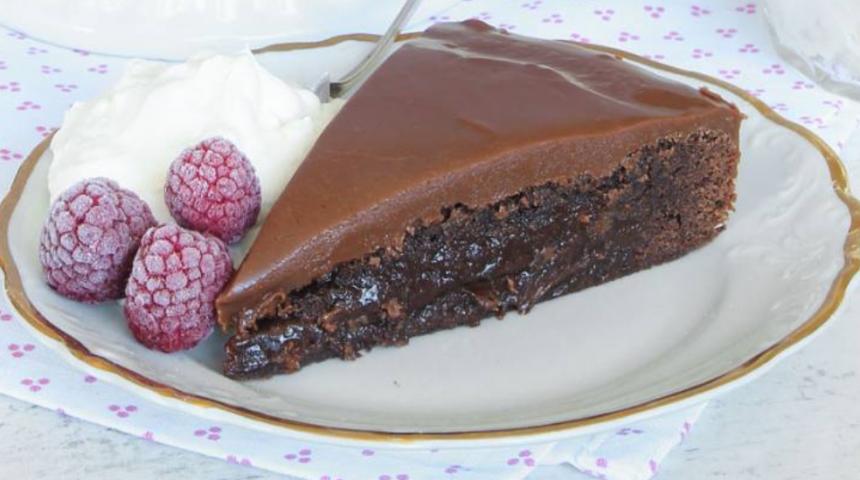 Baka den allra läckraste kolatårtan –klicka här för recept!