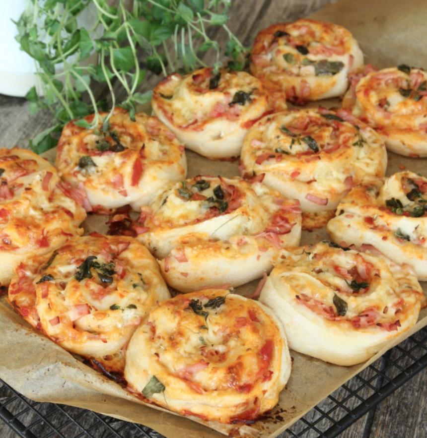 Baka klassiska pizzabullar –klicka här för recept!