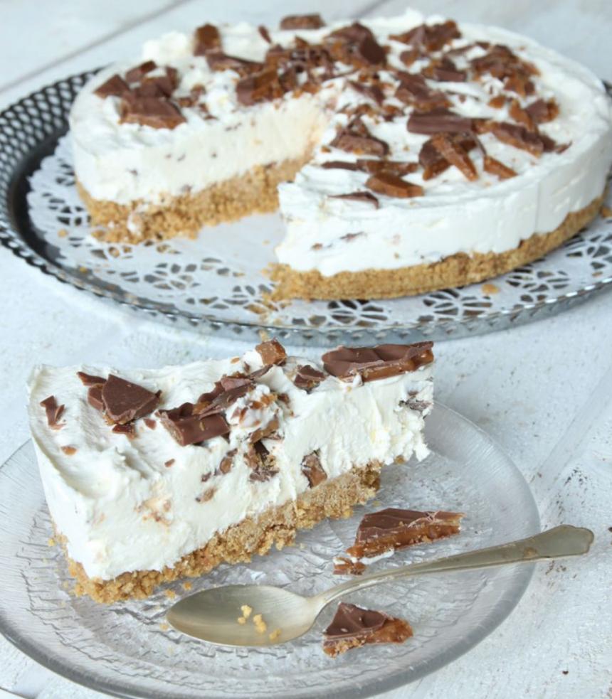 Ljuvligt god, fryst Daimcheesecake – klicka här för recept!