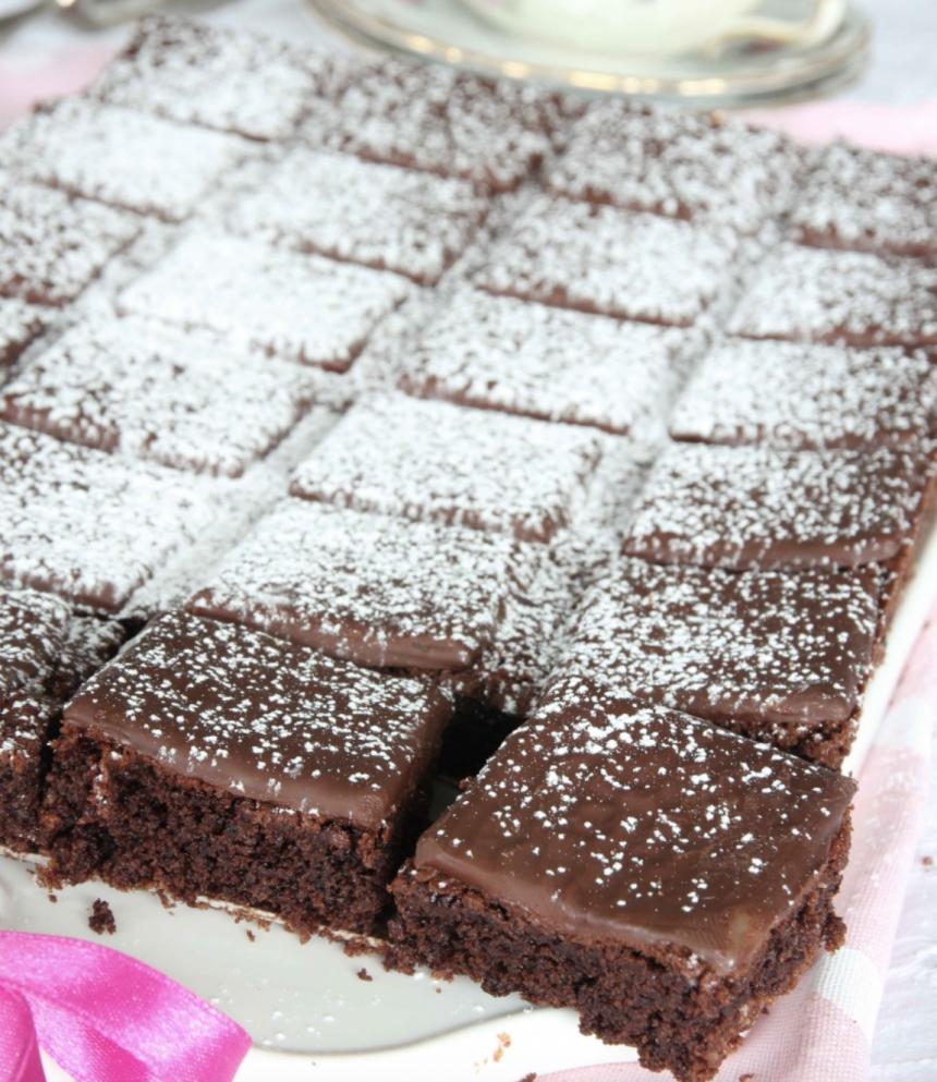 Ljuvligt goda After Eight brownies –klicka här för recept!