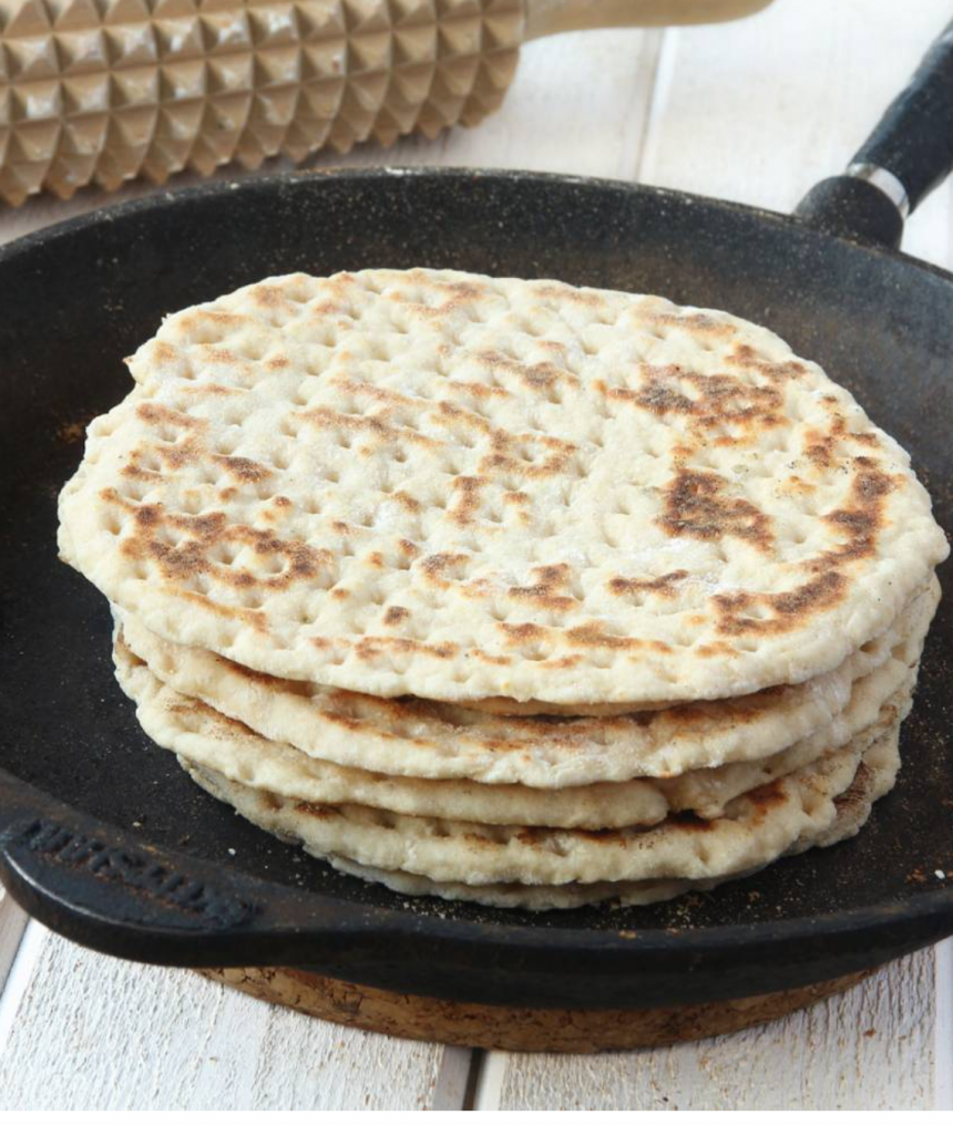Baka supergoda 3-minuters tunnbröd i stekpanna – klicka här för recept!