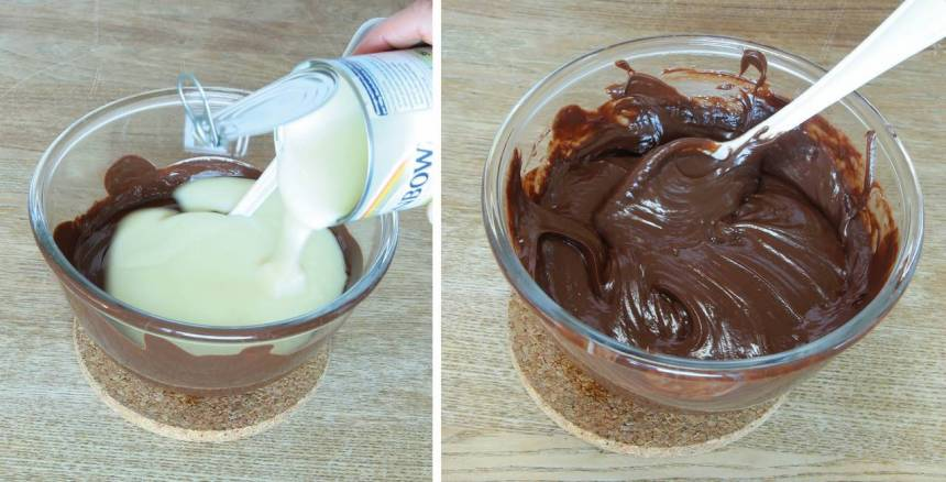 2. Tillsätt den kondenserade mjölken och rör om. Låt det svalna något.