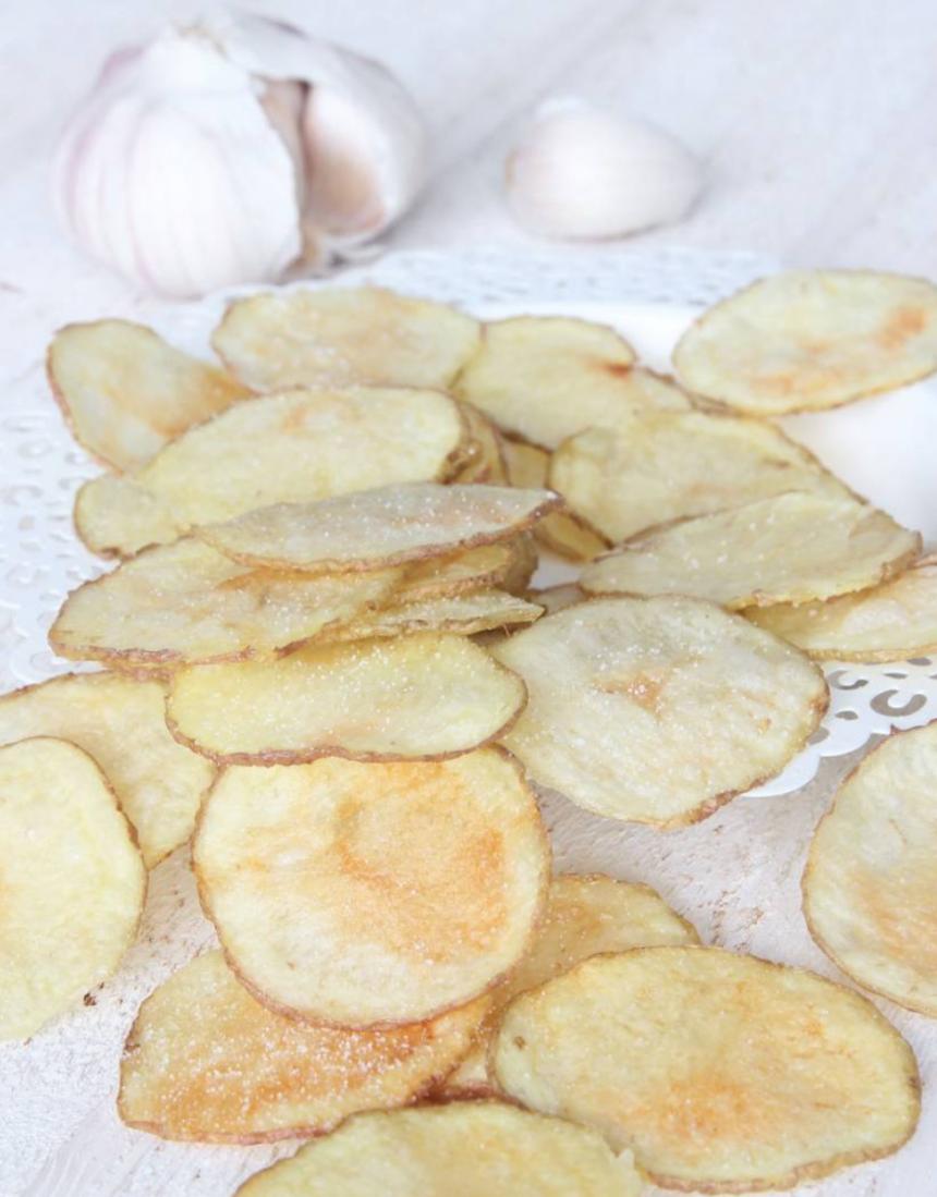 Knapriga, nyttiga vitlökschips –klicka här för recept!