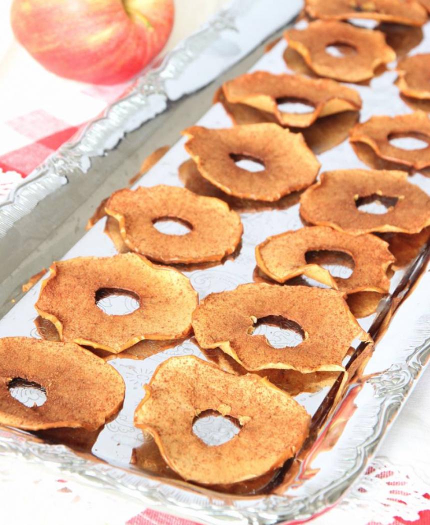 Knapriga, nyttiga äppelchips med kanel –klicka här för recept!