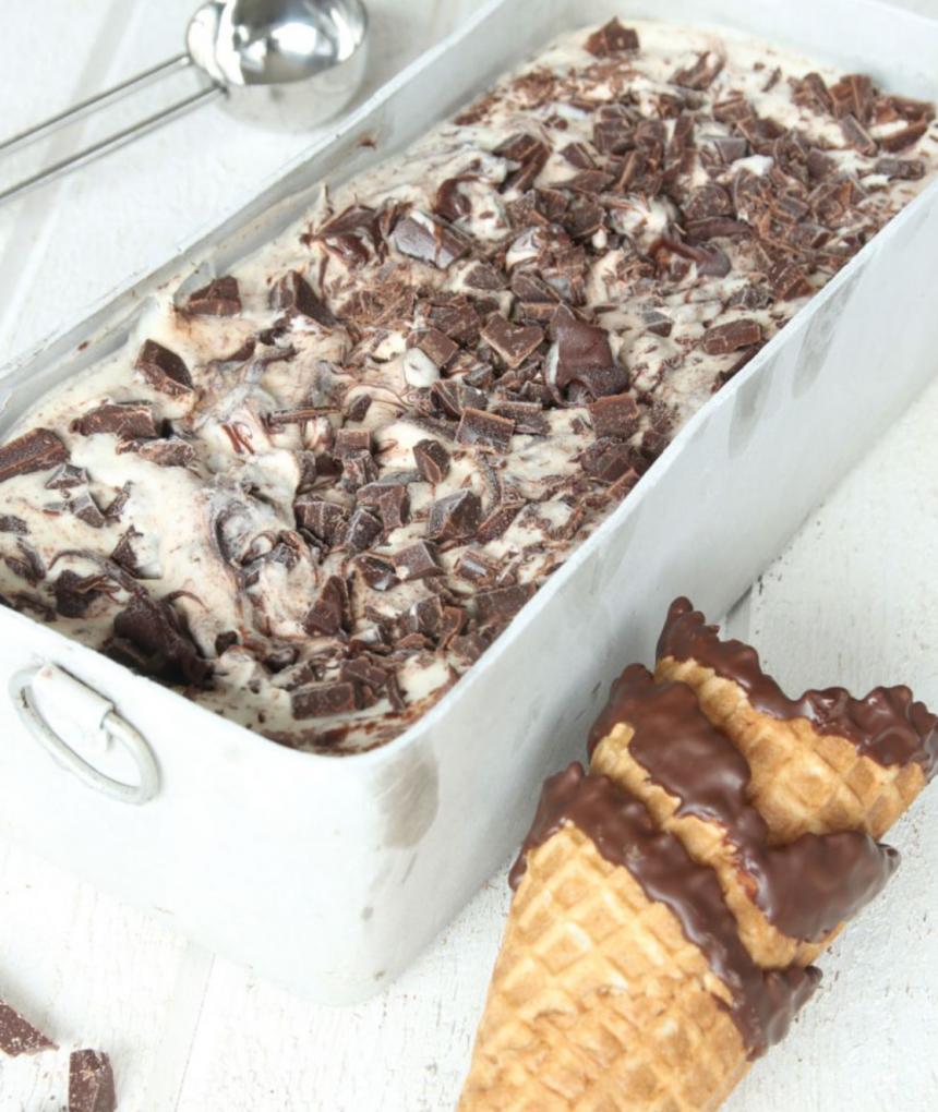 Läcker, krämig chokladglass – klicka här för recept!