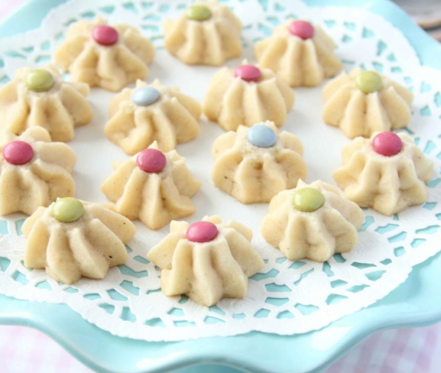 Spröda, läckra strasskakor med chokladlinser –klicka här för recept!