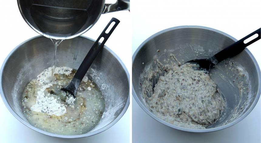 2. Koka upp vattnet och häll ner rapsoljan. Häll vätskan över fröblandningen och blanda ihop allt till en kladdig, lite geléaktig deg.