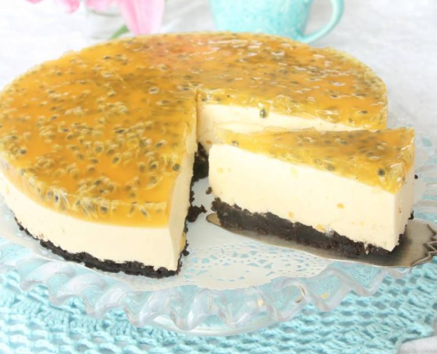 Lyxig, superläcker passionsmoussetårta –klicka här för recept!