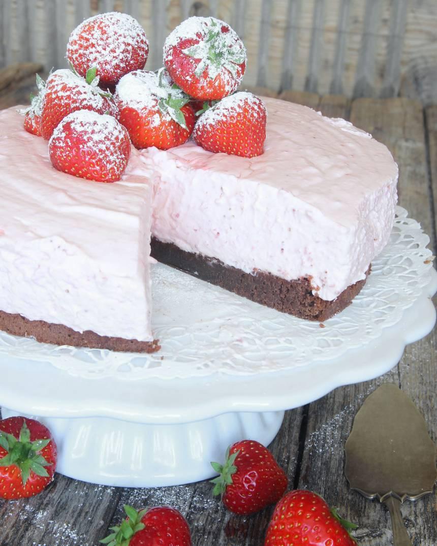 jordgubbsmoussetårta13