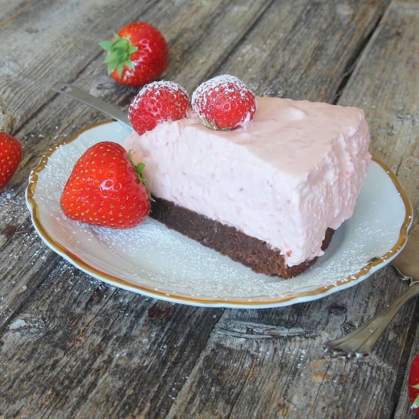 jordgubbsmoussetårta15