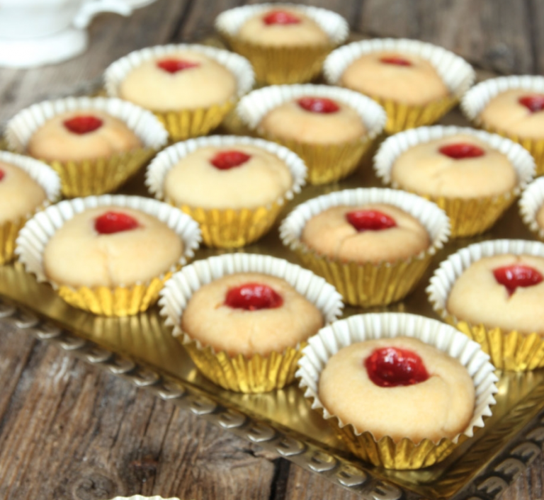 Baka spröda hallongrottor – klicka här för recept!