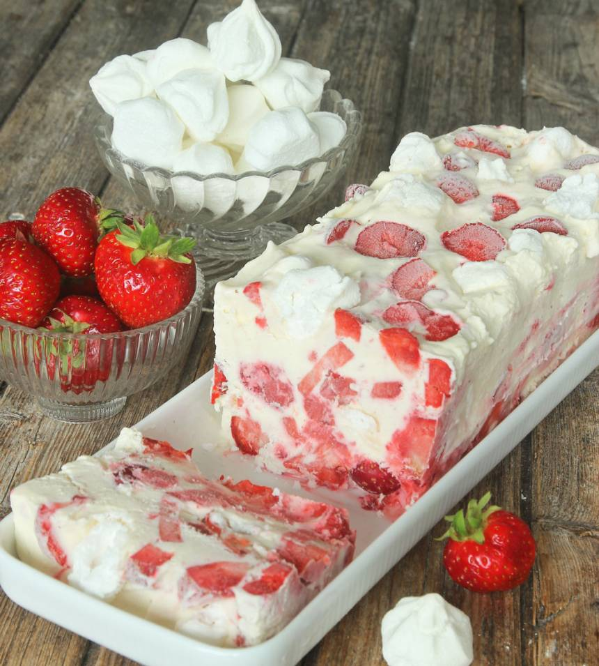 Krämig, supergod maräng- & jordgubbsglass –klicka här för recept!