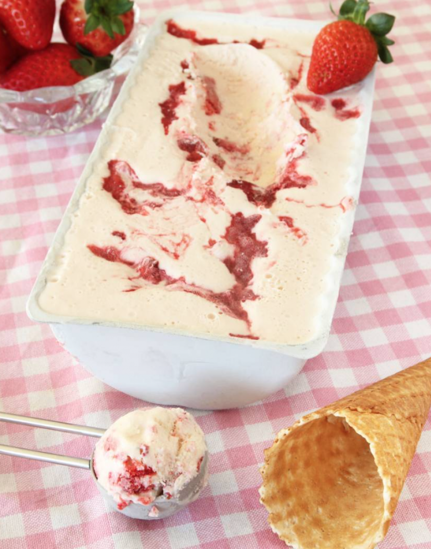 Krämig, lättgjord jordgubbsglass –klicka här för recept!