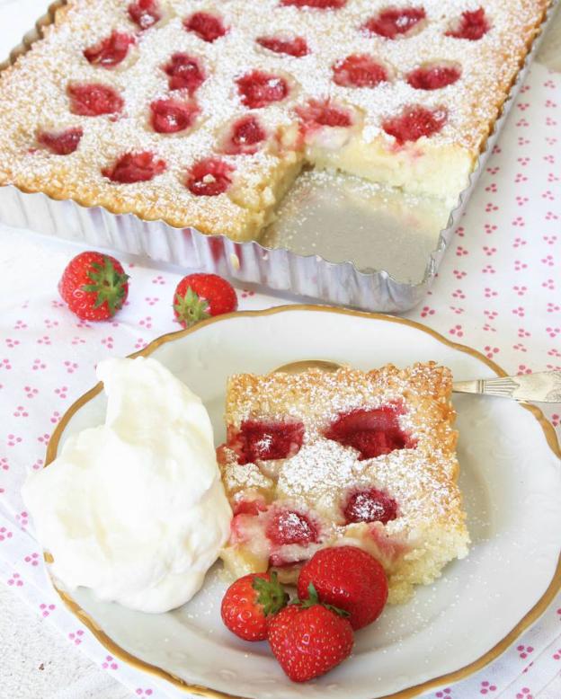 Gudomligt god jordgubbskladdkaka –klicka här för recept!