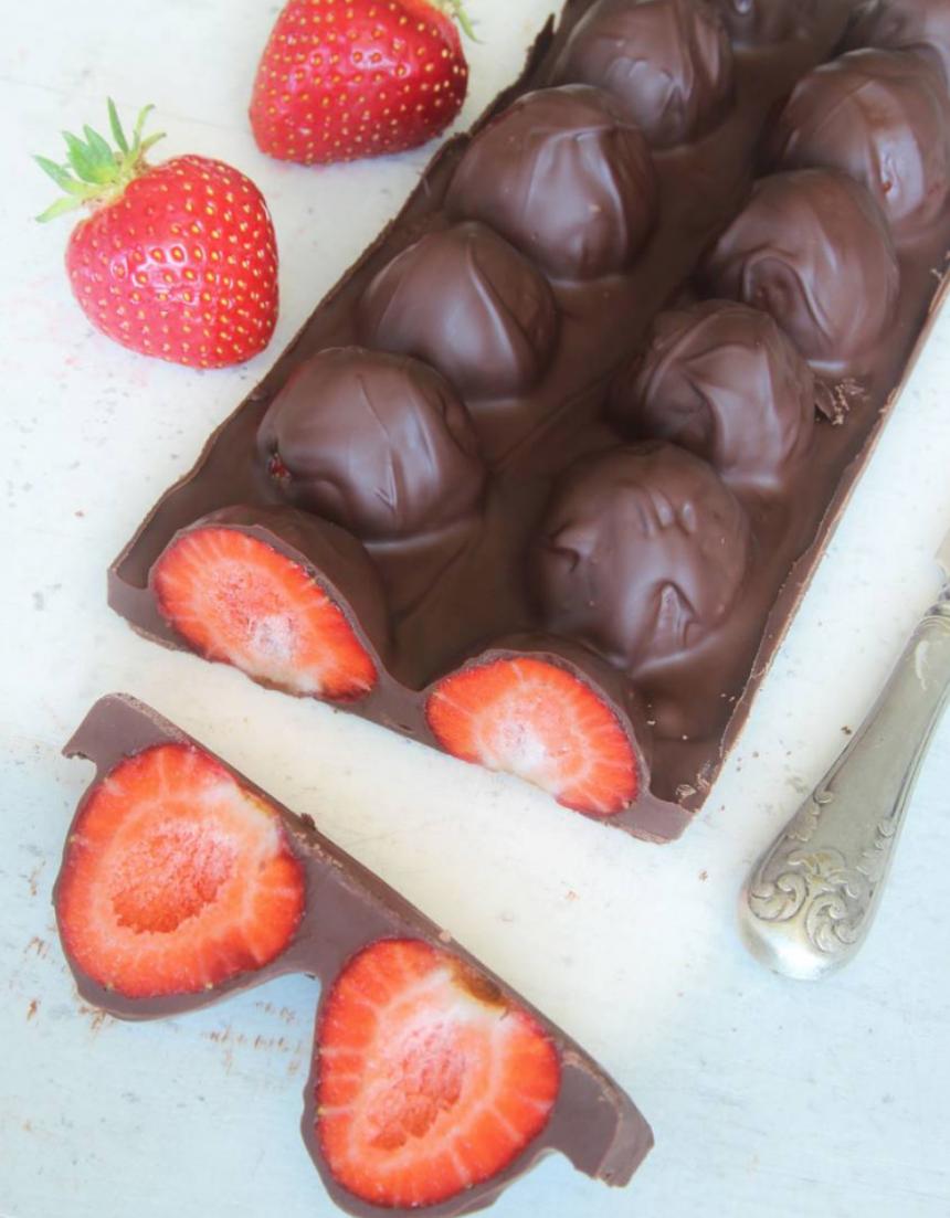 Hemgjord jordgubbschokladkaka –klicka här för recept! Mums!