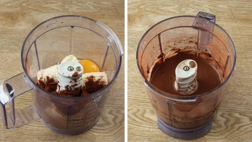 1. Bryt bananen i bitar och blanda den med ägg och kakao. Tillsätt ev. en nypa salt för att framhäva smaken. Mixa ihop alla ingredienser med en stavmixer eller i en mixer med knivar, till en slät smet.