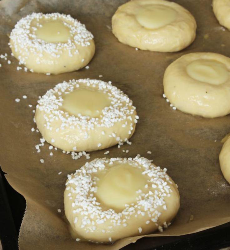 Baka läckra vaniljkrämsbullar –klicka här!