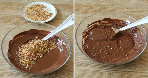 3. Smält chokladen över vattenbad. Låt den svalna något. Rör ner korkanten (spar lite till garnering).