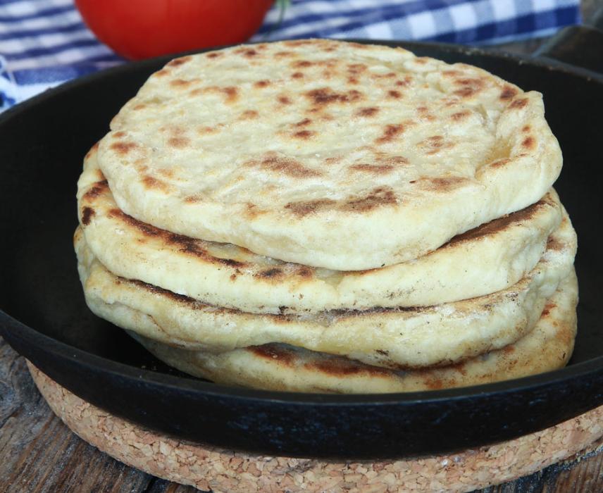 Baka 4-minutersbröd i stekpanna som inte behövser jäsa! Klicka på bilden för recept!