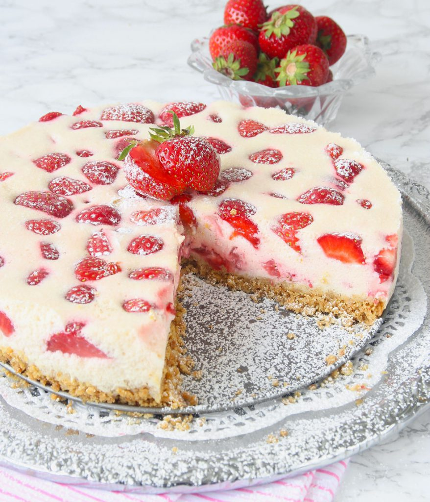 jordgubbscheesecake med kakbotten